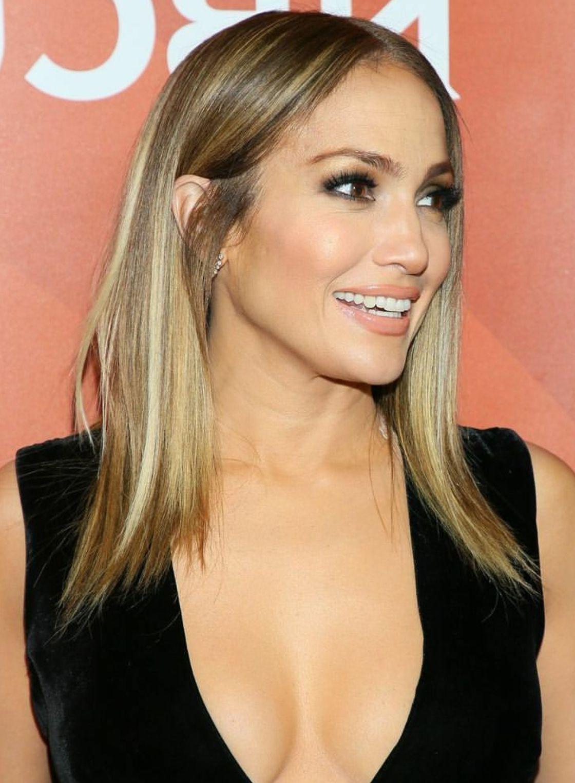 Pindeborah Praha?makeup Ideas, Skincare Tips & Street Style On Inside Jennifer Lopez Short Haircuts (View 15 of 25)