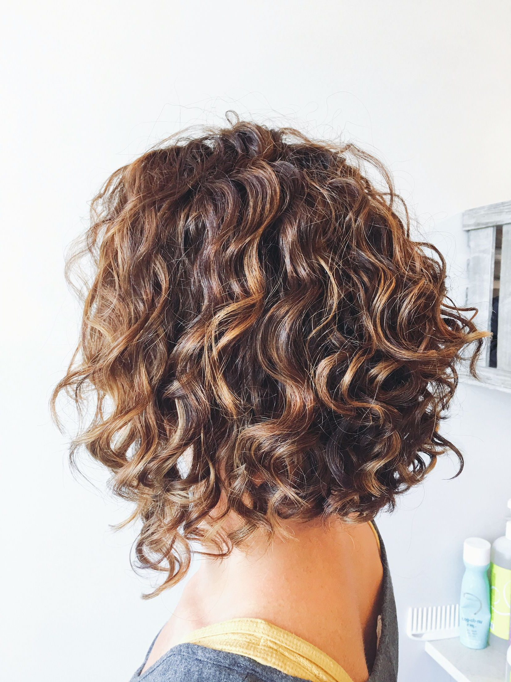 Pinnaty Ballestero On Hairstyles | Pinterest | Layering, Curly In Curly Angled Bob Hairstyles (View 7 of 25)