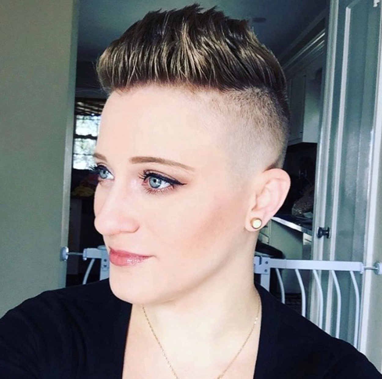 Pinwomens Short Hair Styles On Pompadour Styles | Pinterest For Dramatic Short Haircuts (View 18 of 25)