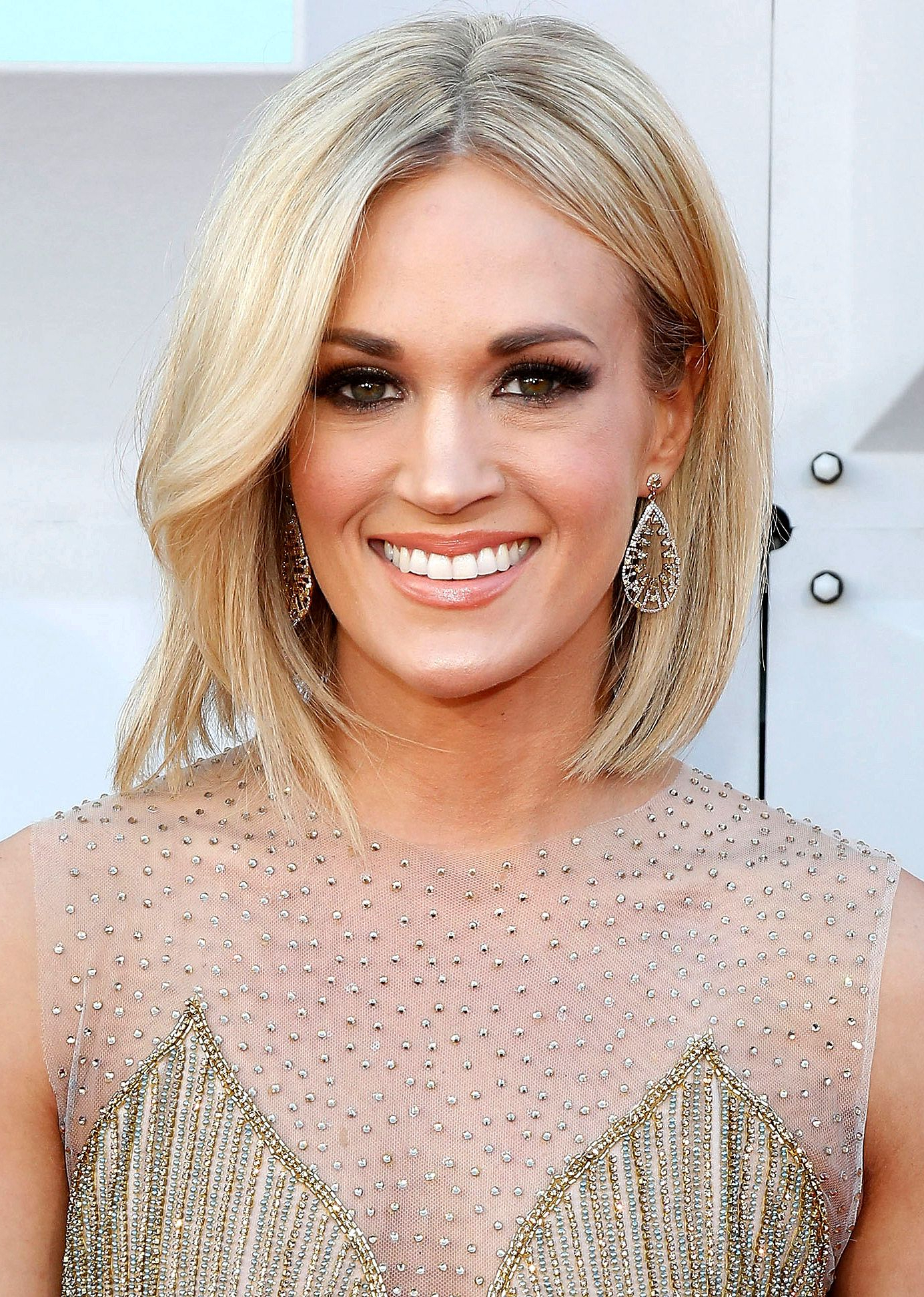 Proof That Big Country Hair Is Officially Over | What To Do With My Throughout Carrie Underwood Short Haircuts (View 17 of 25)