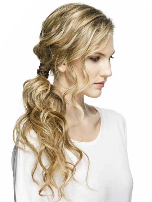 Pump Up Your Pony : The Textured Side Ponytail Throughout Pumped Up Side Pony Hairstyles (View 20 of 25)