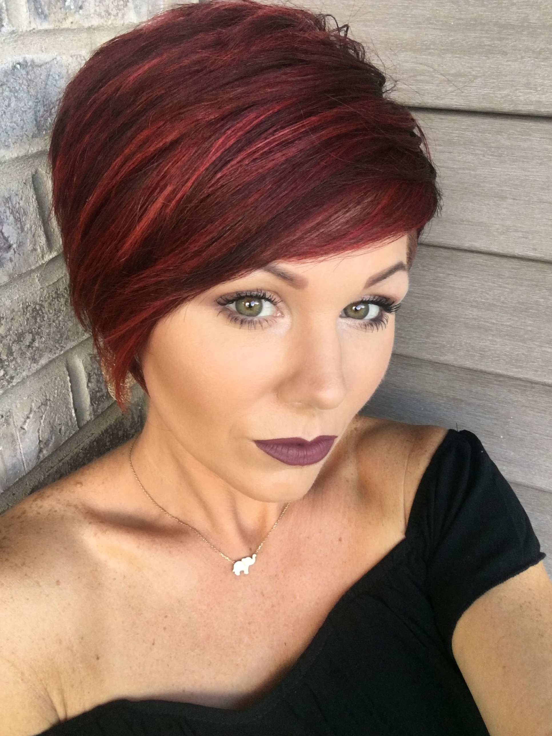 Featured Photo of Short Haircuts With Red Hair