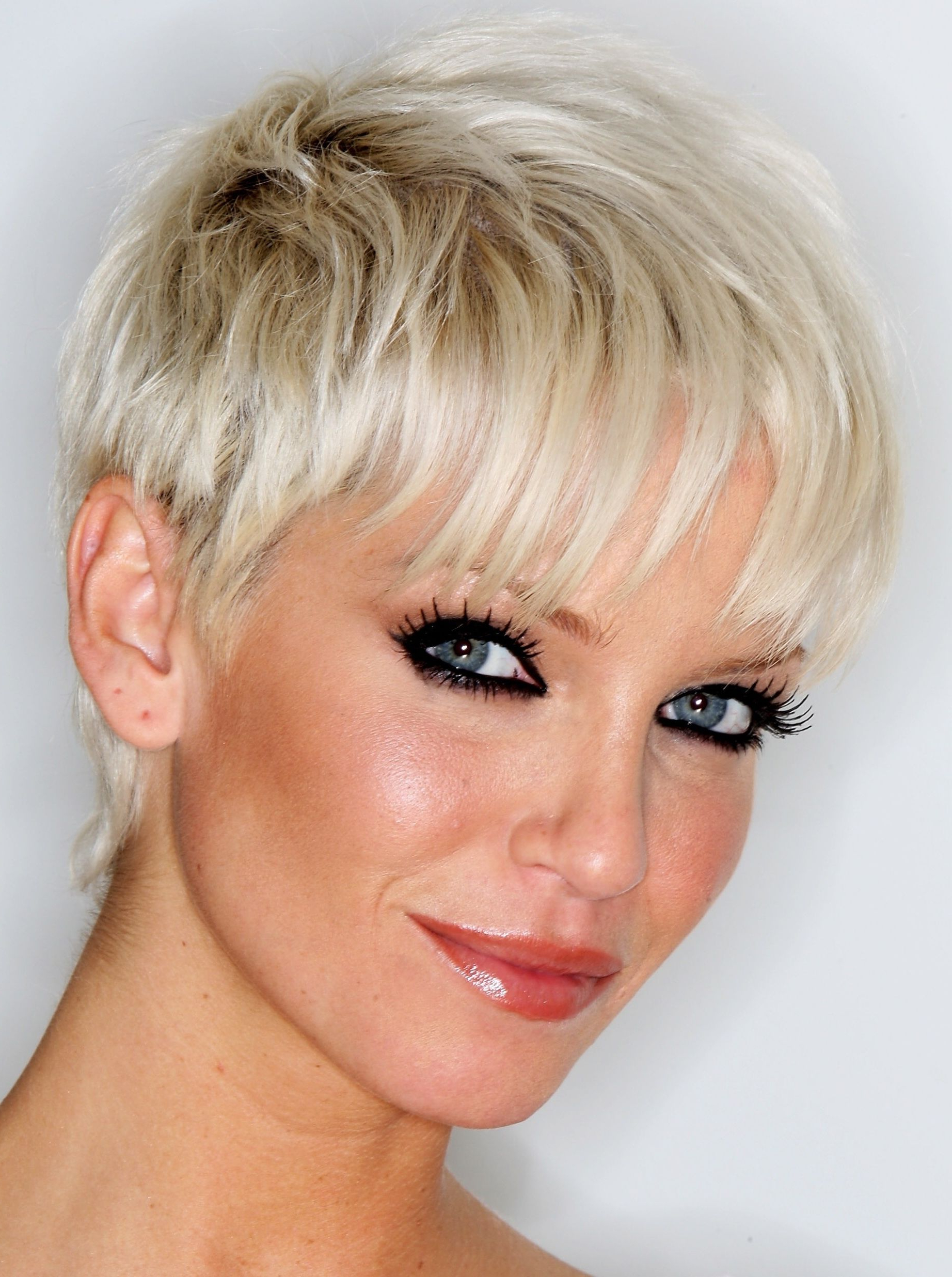 Rock The Best Hairstyle For Your Body Type | Beauty & Fashion Inside Short Haircuts For Tall Women (View 19 of 25)