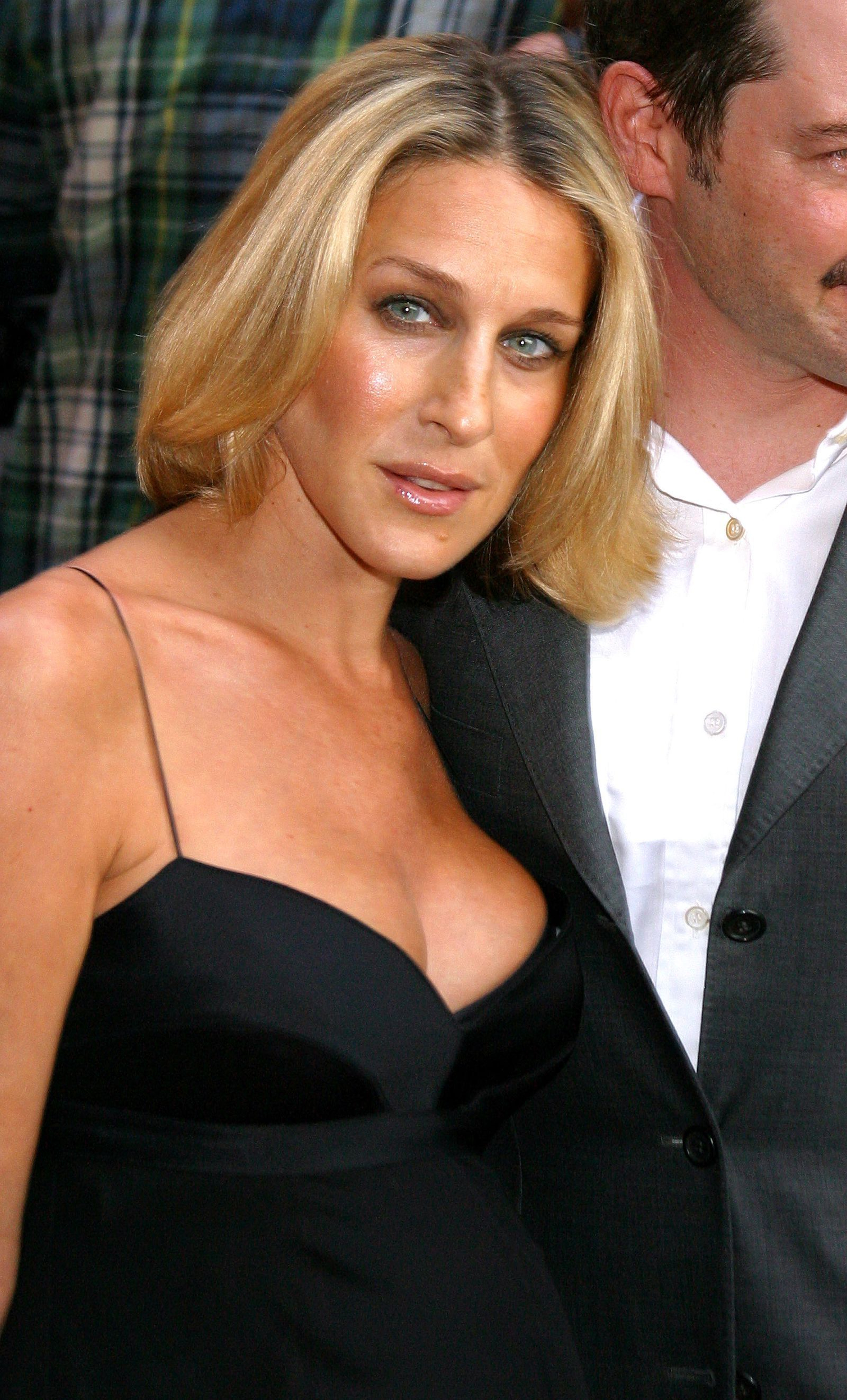 Sarah Jessica Parker – Short And Bouncy #hairstyles #hair #hairbob Throughout Sarah Jessica Parker Short Hairstyles (View 4 of 25)