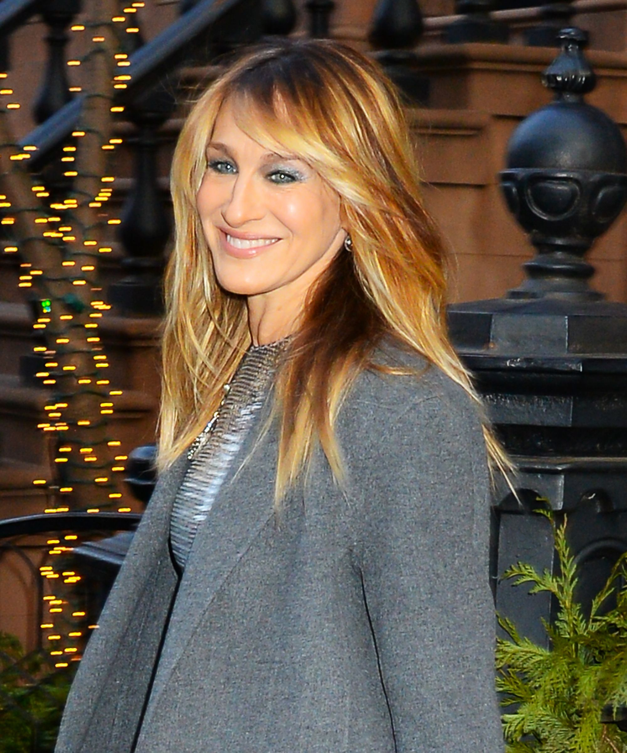 Sarah Jessica Parker Shows Off New Haircut Bangs With Regard To Sarah Jessica Parker Short Hairstyles (View 5 of 25)