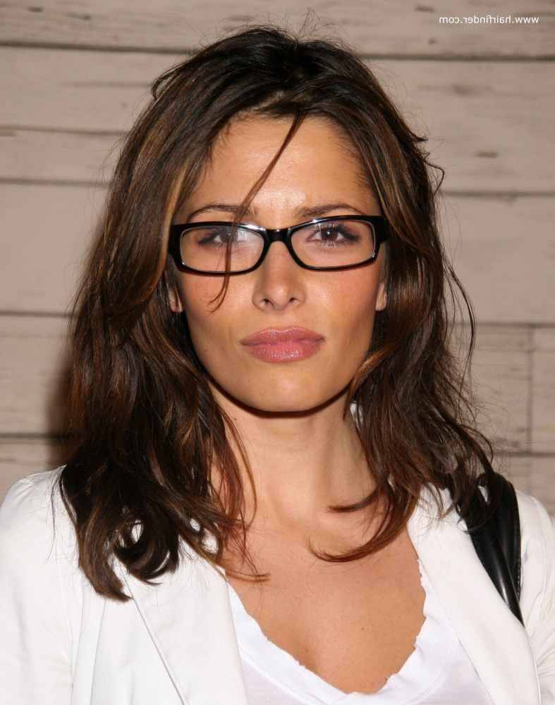Sarah Shahi | Light Long Hairstyle For Ladies Who Are Wearing Glasses With Short Haircuts For Women Who Wear Glasses (View 20 of 25)