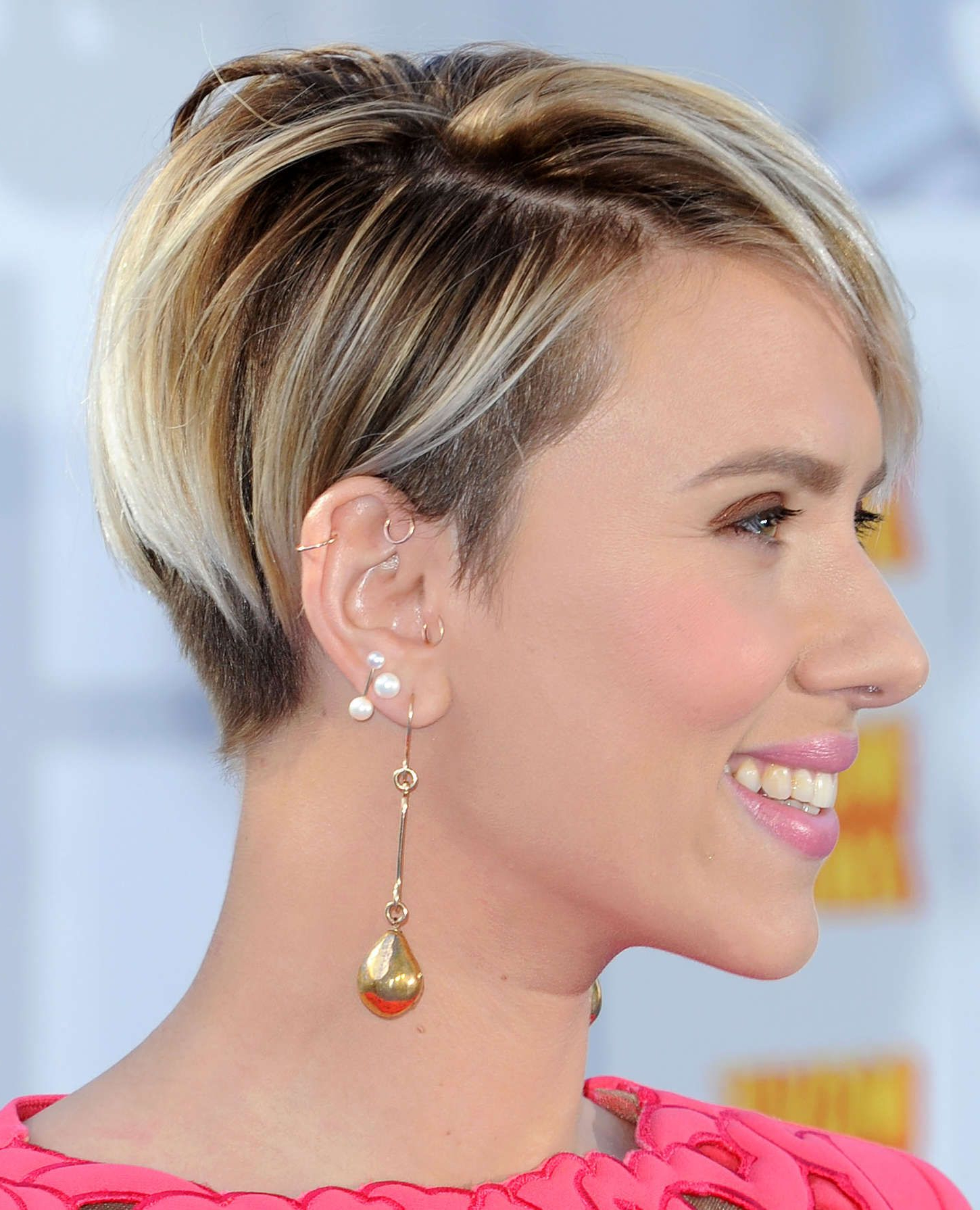 Scarlett Johansson Shaved Hair – Google Search | Pixie & Hawks In Intended For Scarlett Johansson Short Hairstyles (View 21 of 25)