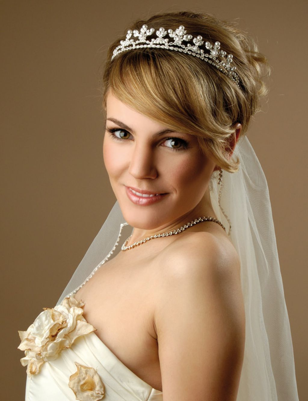Short Bridal Hairstyles With Veil – Hairstyle For Women & Man Pertaining To Brides Hairstyles For Short Hair (View 9 of 25)