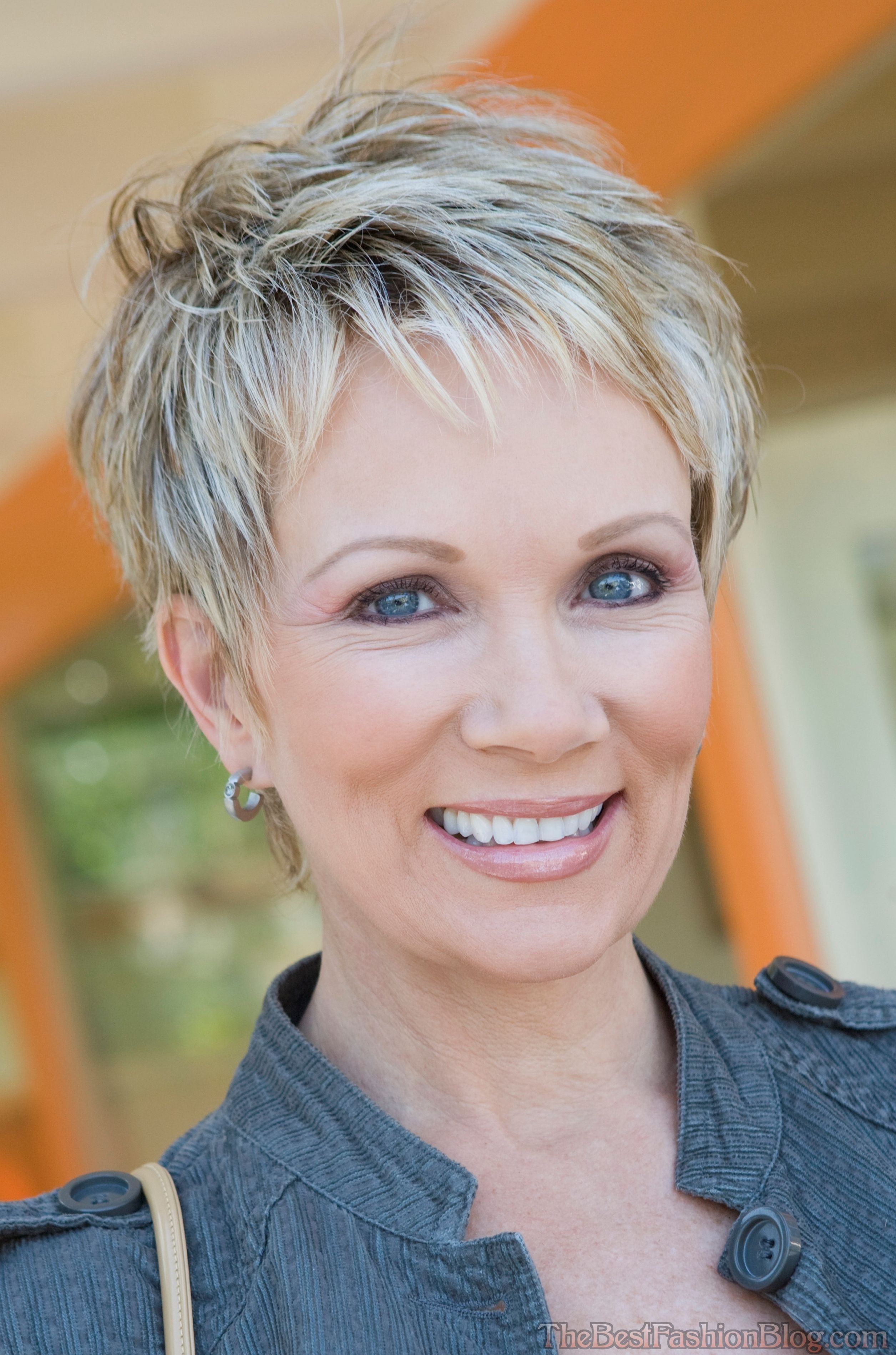 Short Hair For Mature Women – Hairstyles Ideas In Older Lady Short Hairstyles (View 21 of 25)