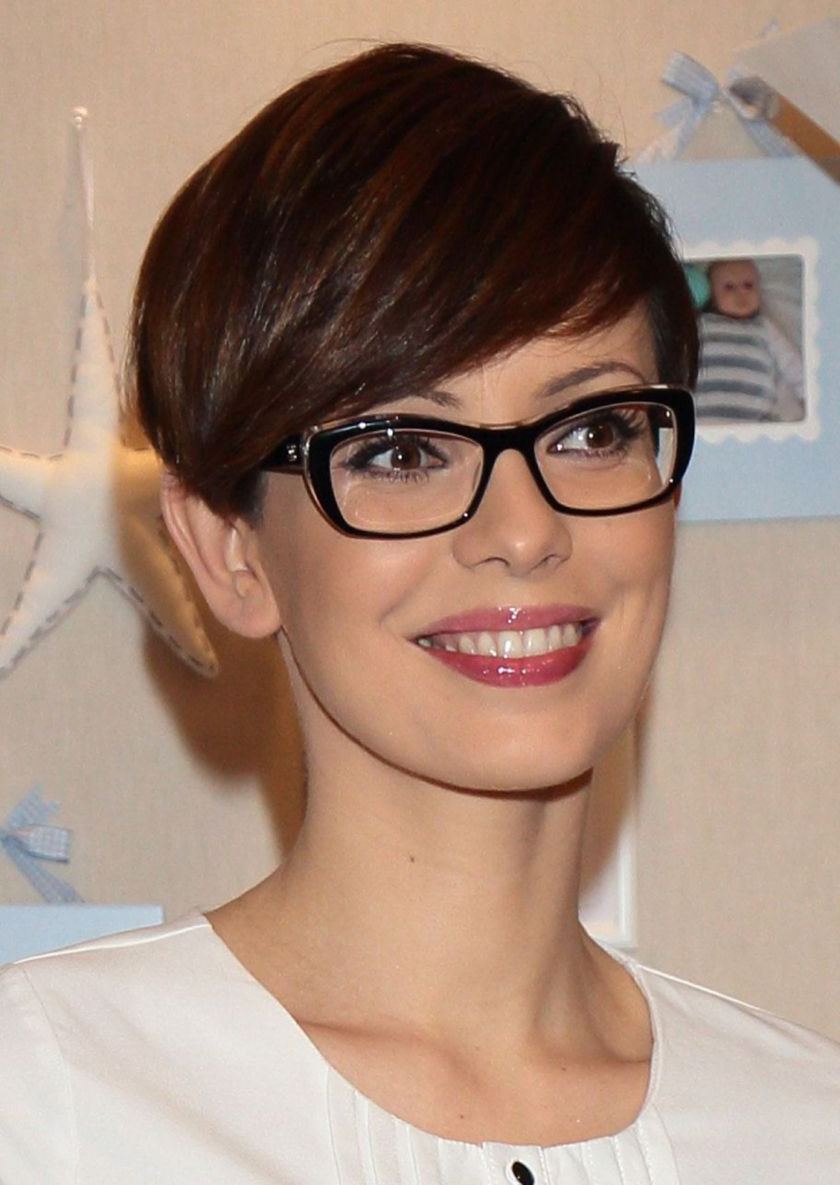 Short Hair Pixie Cut Hairstyle With Glasses Ideas 68   Pixie In 2018 With Regard To Short Haircuts For People With Glasses (View 16 of 25)