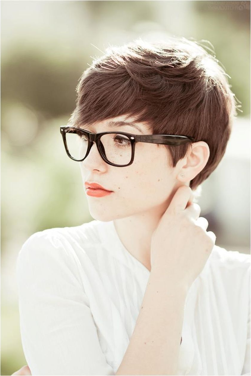 Short Hair Pixie Cut Hairstyle With Glasses Ideas 90 | Short Pixie Throughout Short Hairstyles For Round Faces And Glasses (View 8 of 25)