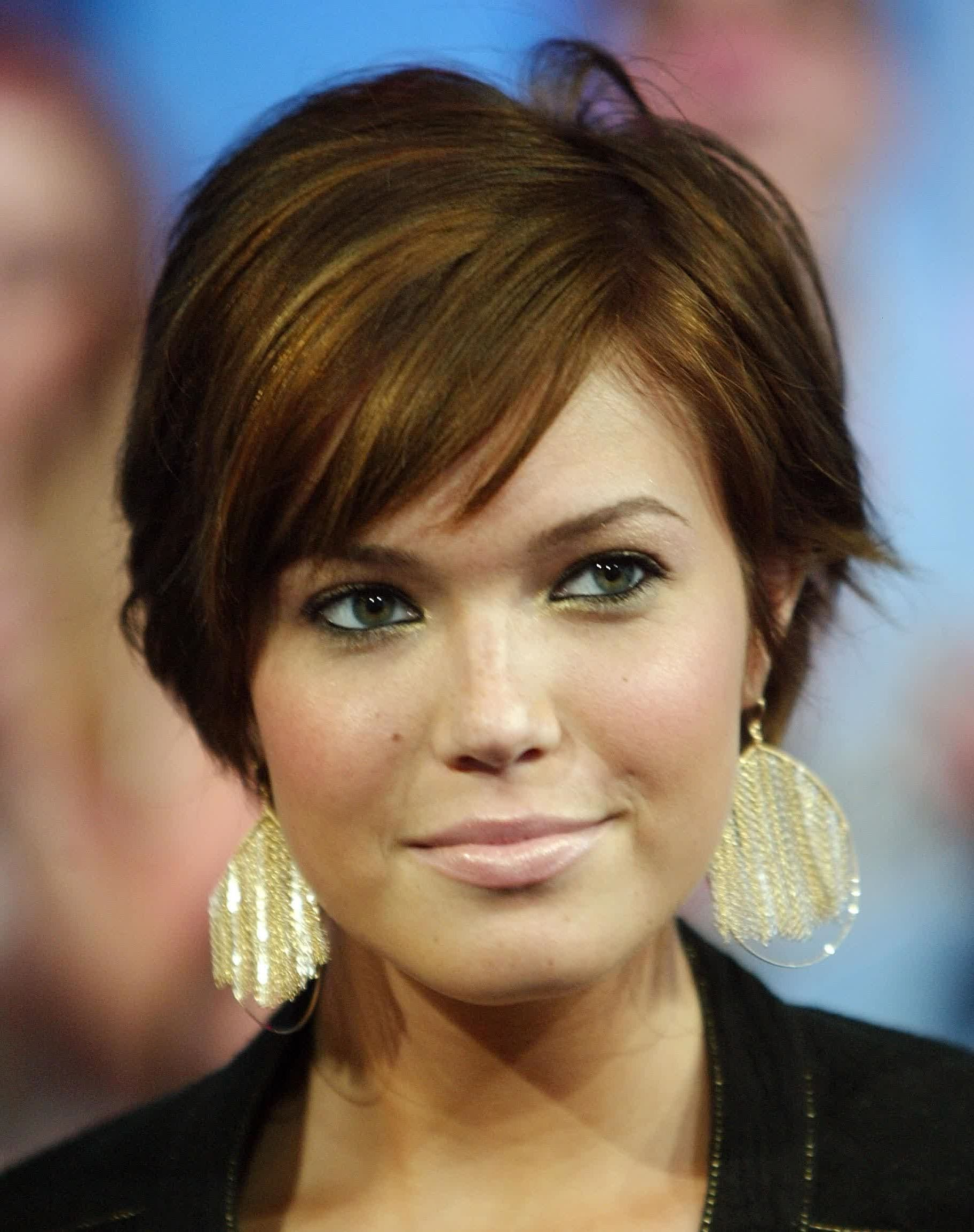 Short Hair With Bangs Round Face Short Hair Round Face Double Chin With Short Hairstyles For A Round Face (View 12 of 25)
