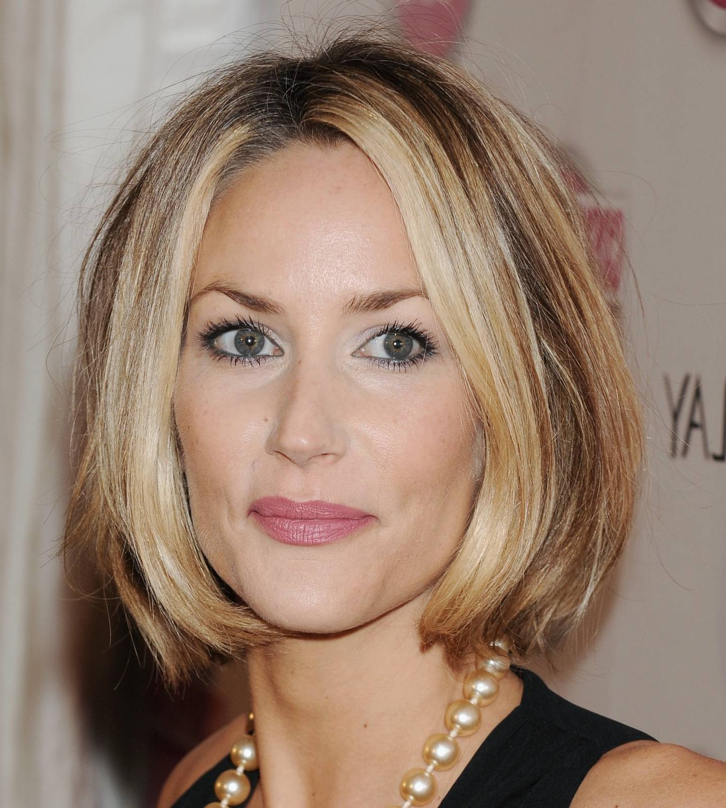 Short Hair Without Bangs – Hairstyle For Women & Man Within Short Haircuts Without Bangs (View 24 of 25)