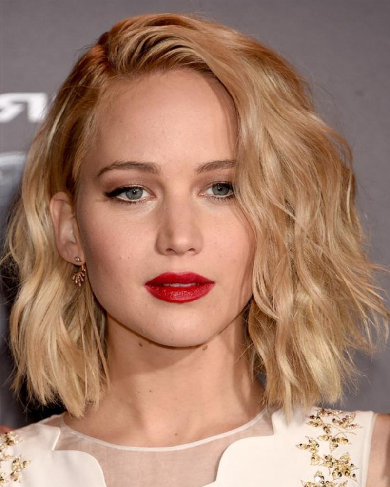 Short Haircut For Thick Wavy Hair – Haircuts Female 2019 With Regard To Short Haircut For Thick Wavy Hair (View 22 of 25)