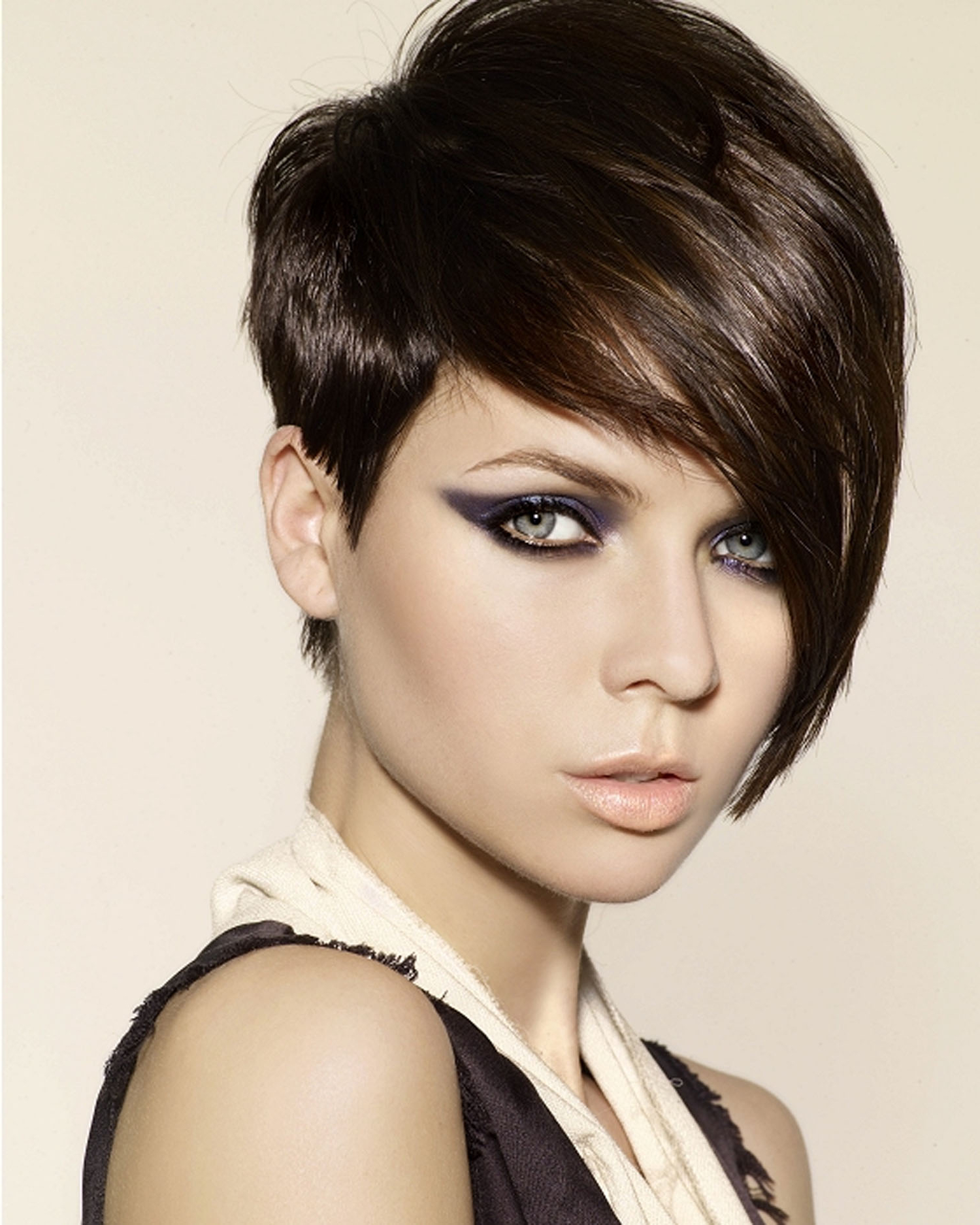 Short Haircut With Long Bangs – Hairstyle For Women & Man In Very Short Haircuts With Long Bangs (View 7 of 25)