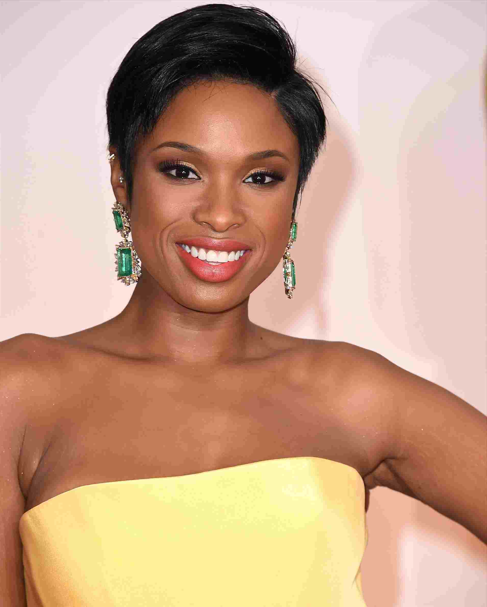 Short Haircuts For Black Women With Round Faces Hairstyle Pict Hair Regarding Short Haircuts For Black Women Round Face (View 22 of 25)