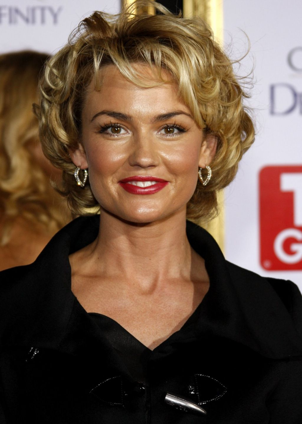 Short Haircuts For Fine Hair Over 40 – Hairstyle For Women & Man Pertaining To Short Haircuts For Women Over 40 With Curly Hair (View 3 of 25)