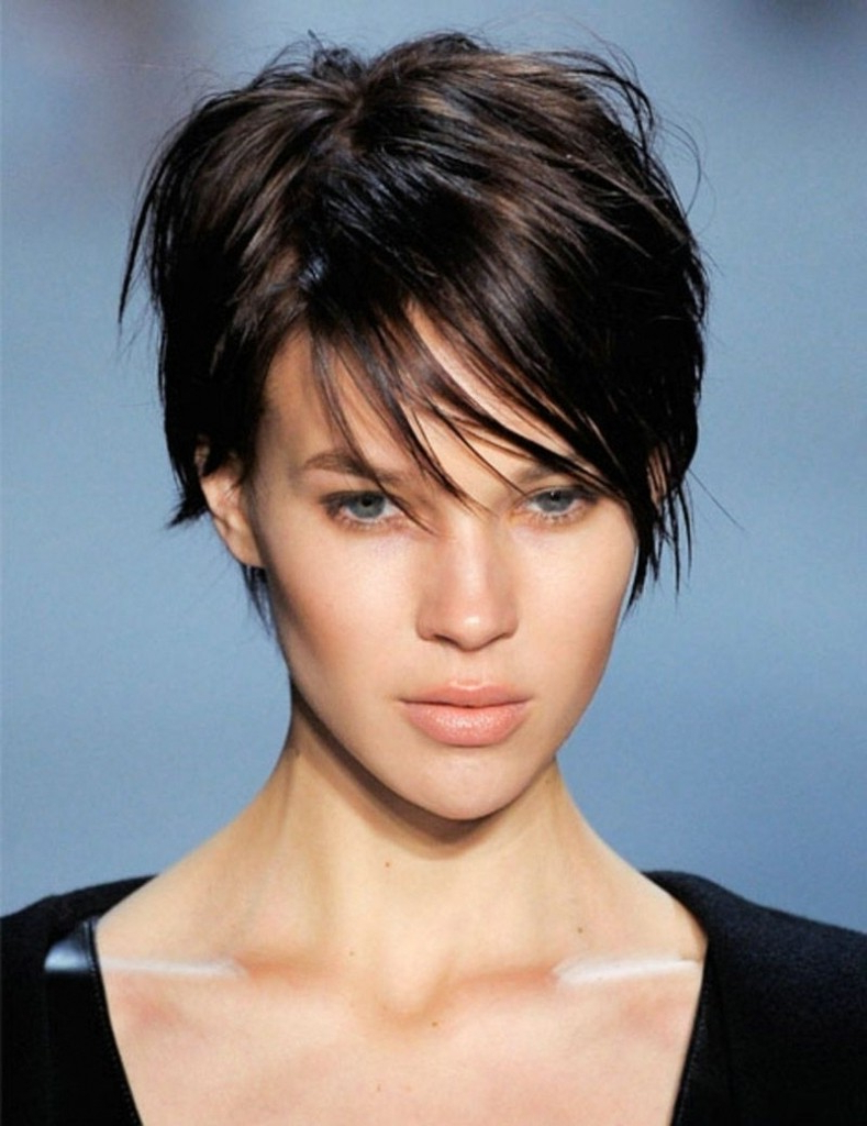 Short Haircuts For Oval Face For Short Haircuts For Fine Hair Oval Face (View 14 of 25)