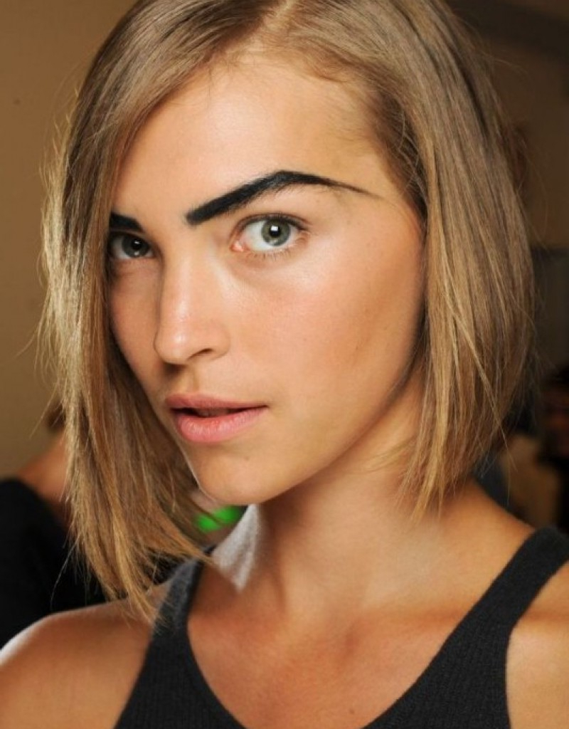 Short Haircuts For Oval Faces And Thick Hair | Fashion Blog For Short Hairstyles For Thick Hair Long Face (View 9 of 25)