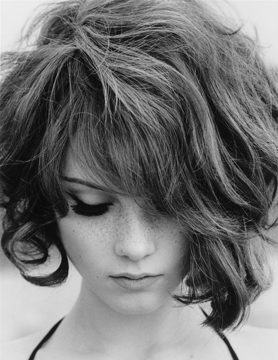 Short Haircuts For Round Faces 2018 Pertaining To Long Messy Curly Pixie Haircuts (View 23 of 25)