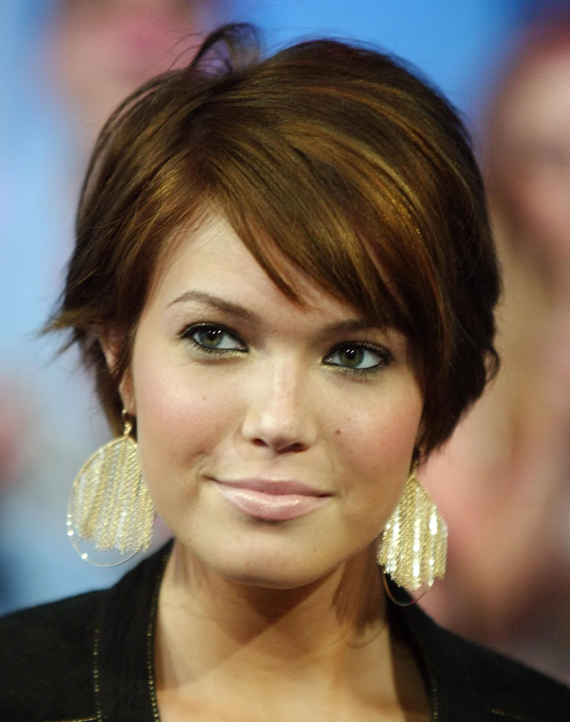 Short Haircuts For Round Faces And Thick Wavy Hair : Hairstyles With Wavy Short Hairstyles For Round Faces (View 16 of 25)