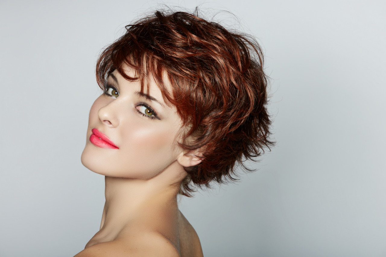 Short Haircuts For Thinning Curly Hair | Makeupsite (View 7 of 25)