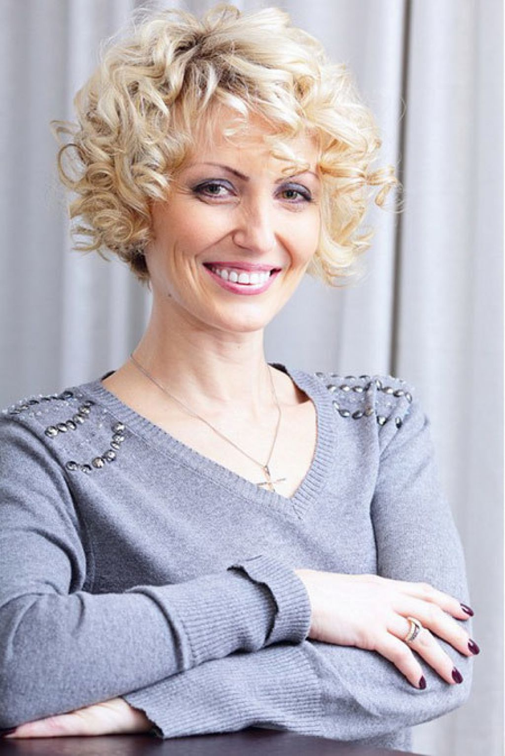Short Haircuts For Women Over 40 With Curly Hair   Fashion Blog With Regard To Short Curly Hairstyles For Over (View 9 of 25)