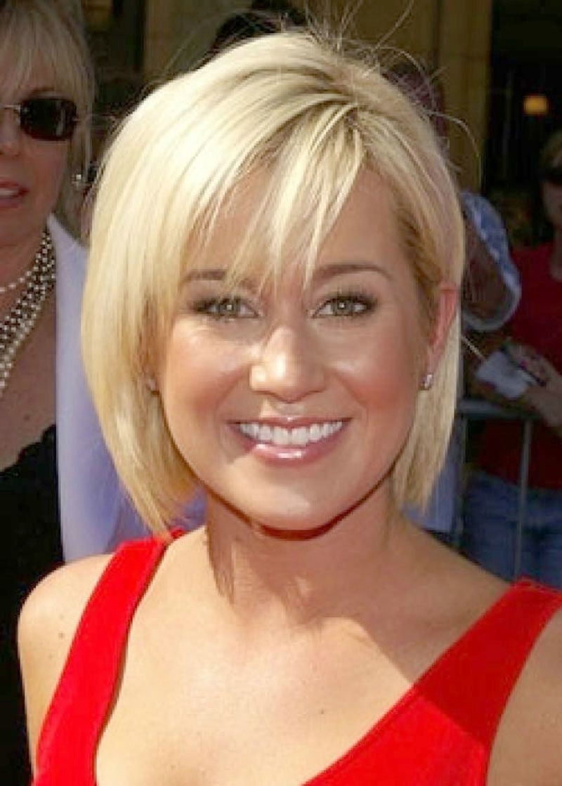Short Haircuts For Women Over 40 With Thick Hair Image Collections Regarding Short Hairstyles For Thick Hair Over (View 21 of 25)