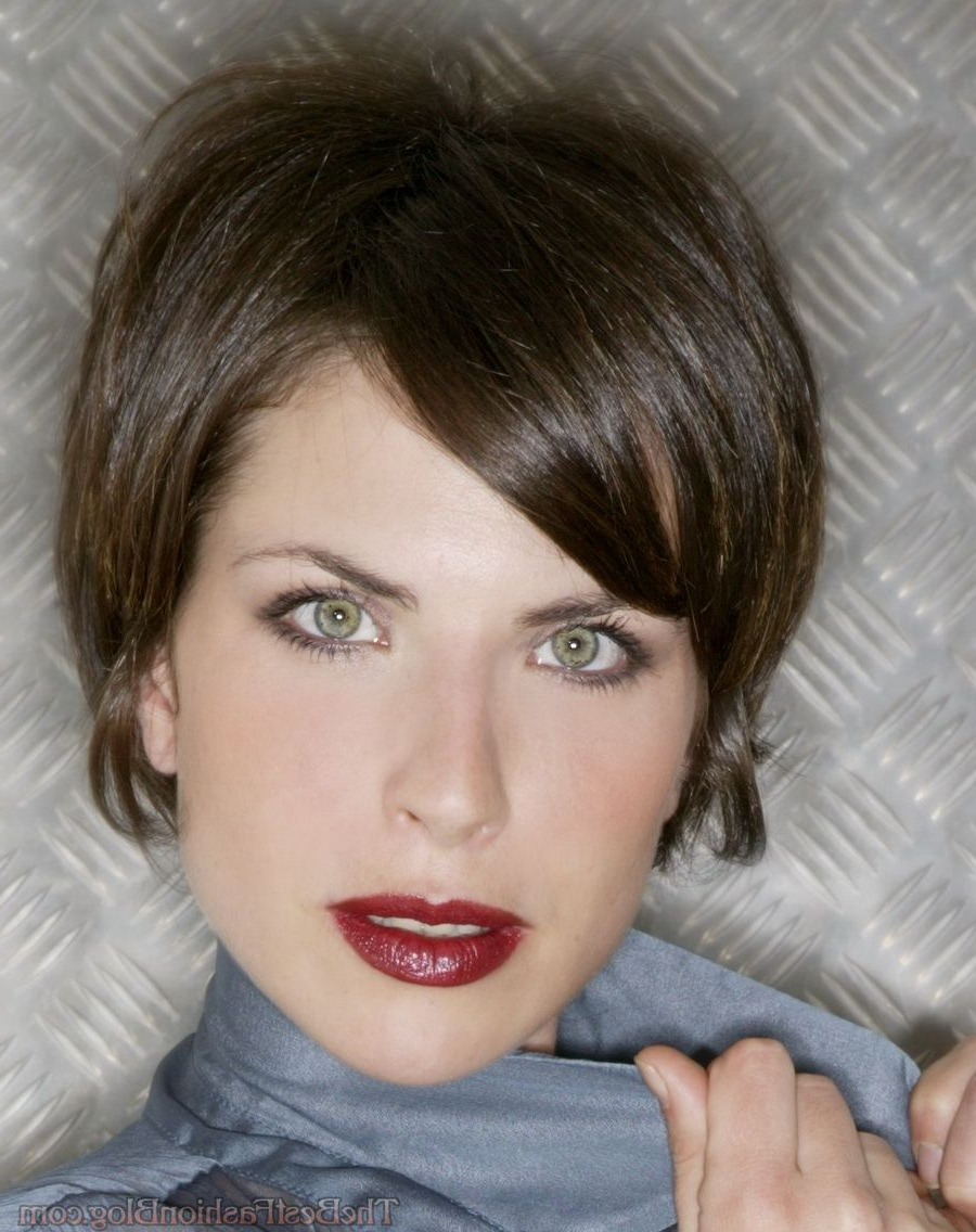 Short Haircuts For Women With Glasses – Hairstyle For Women & Man Pertaining To Short Haircuts For Women Who Wear Glasses (View 15 of 25)