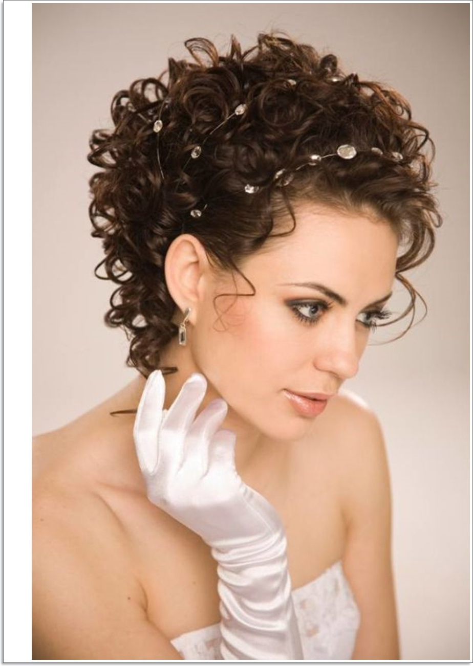 Short Hairstyle : Winning Short Natural Curly Hairstyles Oval Faces Within Short Haircuts For Naturally Curly Hair And Round Face (View 19 of 25)