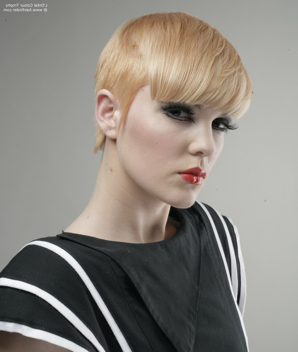 Short Hairstyle With The Hair Cut Around The Ears And Fringe Along Inside Short Hairstyles Cut Around The Ears (View 9 of 25)