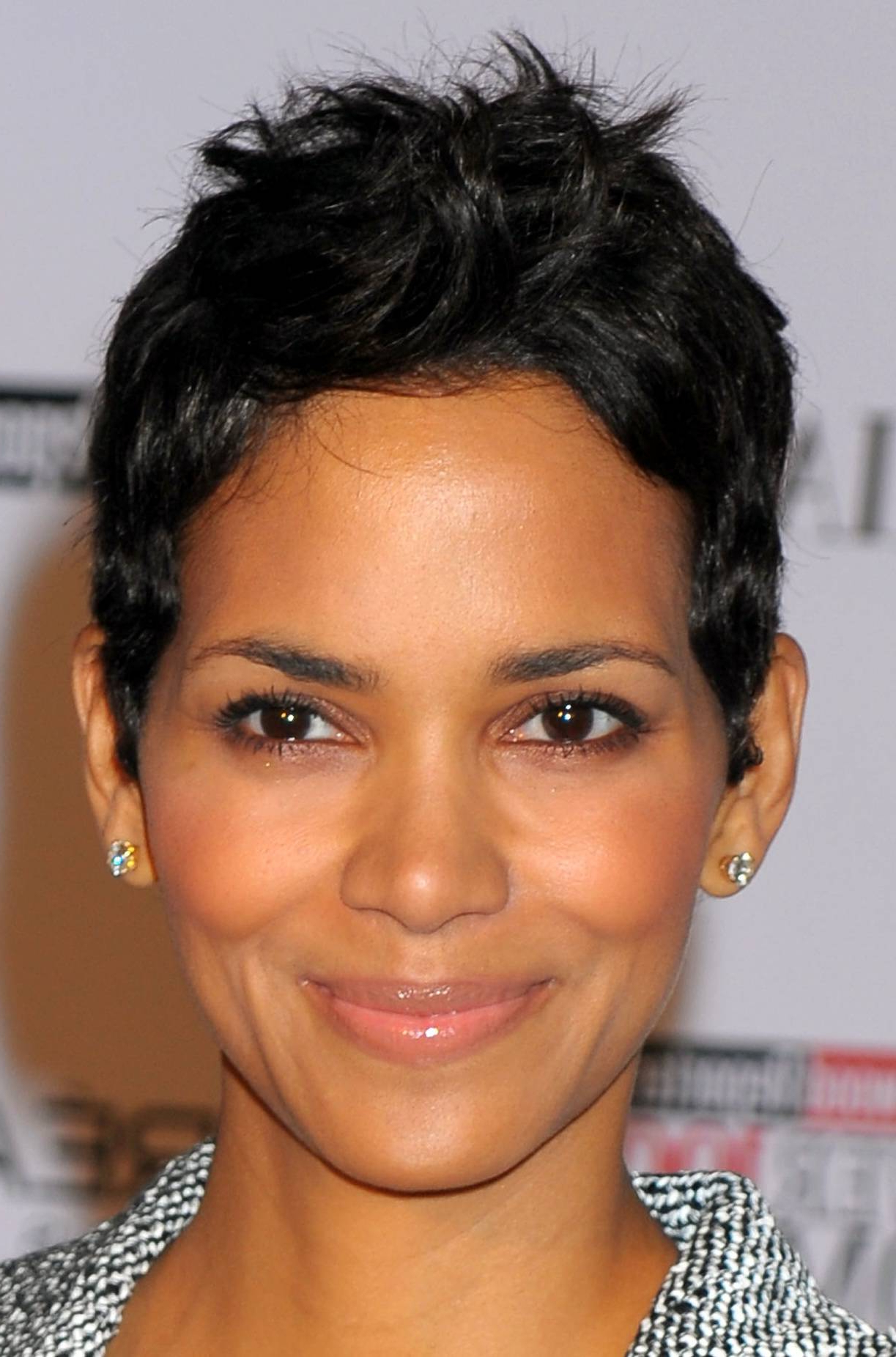 Short Hairstyles For Black Women With Round Faces – Hairstyle For Inside Short Haircuts For Round Faces Black Women (View 8 of 25)