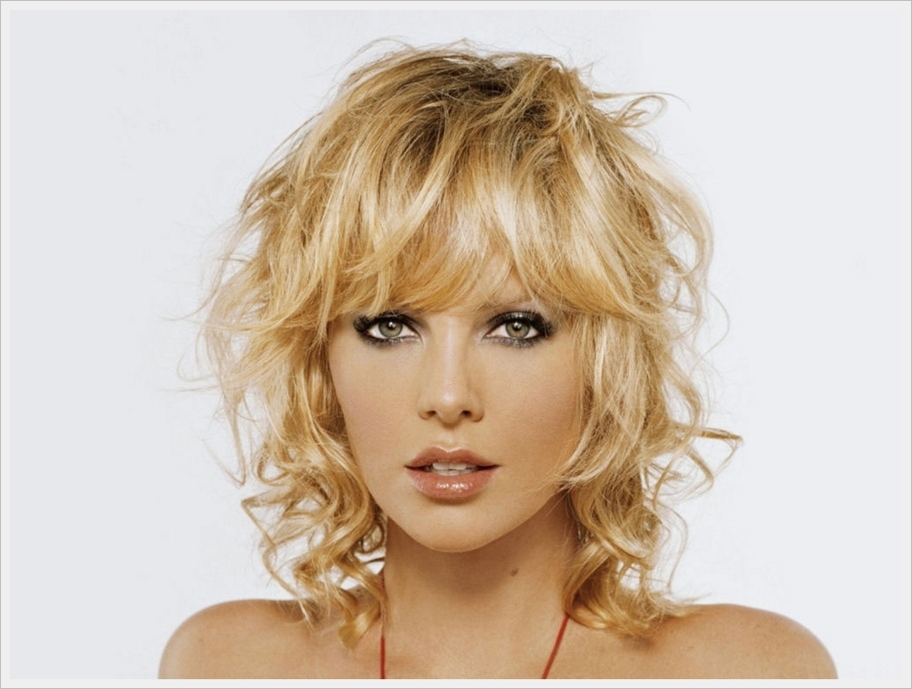 Short Hairstyles For Curly Fine Hair – Hairstyles Ideas Pertaining To Short Haircuts For Curly Fine Hair (View 9 of 25)