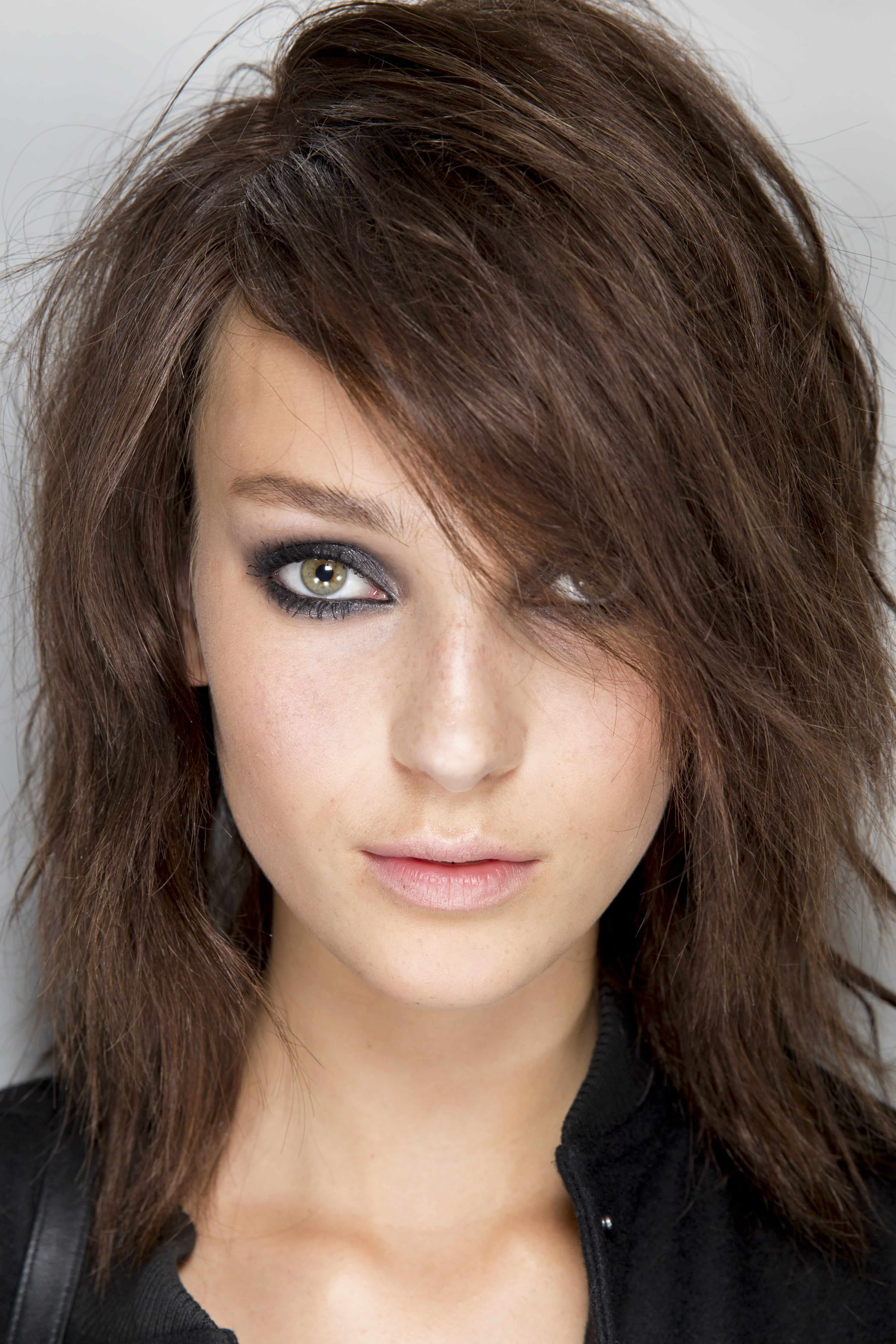 Short Hairstyles For Long Faces: The Most Flattering Cuts To Try Within Short Haircuts For Long Faces (View 14 of 25)