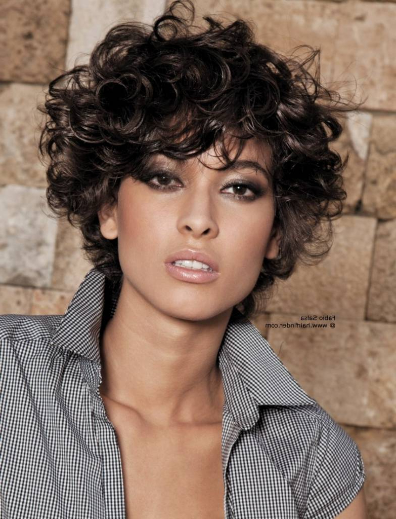 Short Hairstyles For Naturally Curly Hair And Round Faces Throughout Short Haircuts For Naturally Curly Hair And Round Face (View 21 of 25)