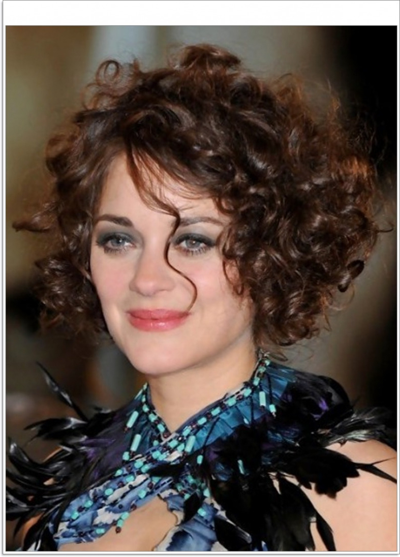 Short Hairstyles For Naturally Curly Hair – Hairstyles Inspiration With Short Haircuts For Wavy Frizzy Hair (View 19 of 25)