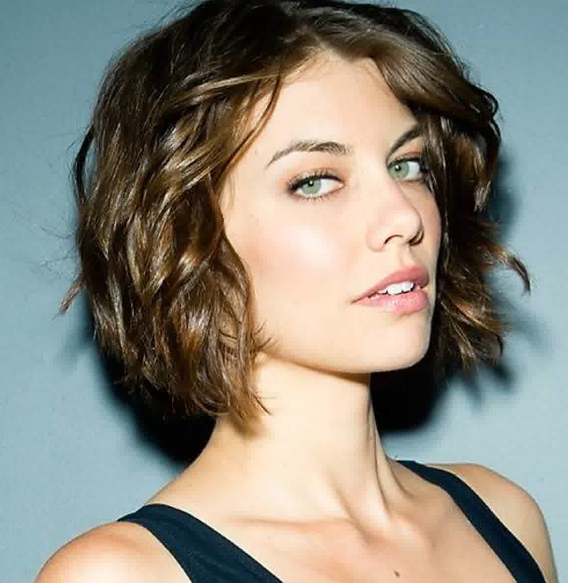 Short Hairstyles For Oval Faces With Wavy Hair For Short Haircuts For Women Curly (View 23 of 25)