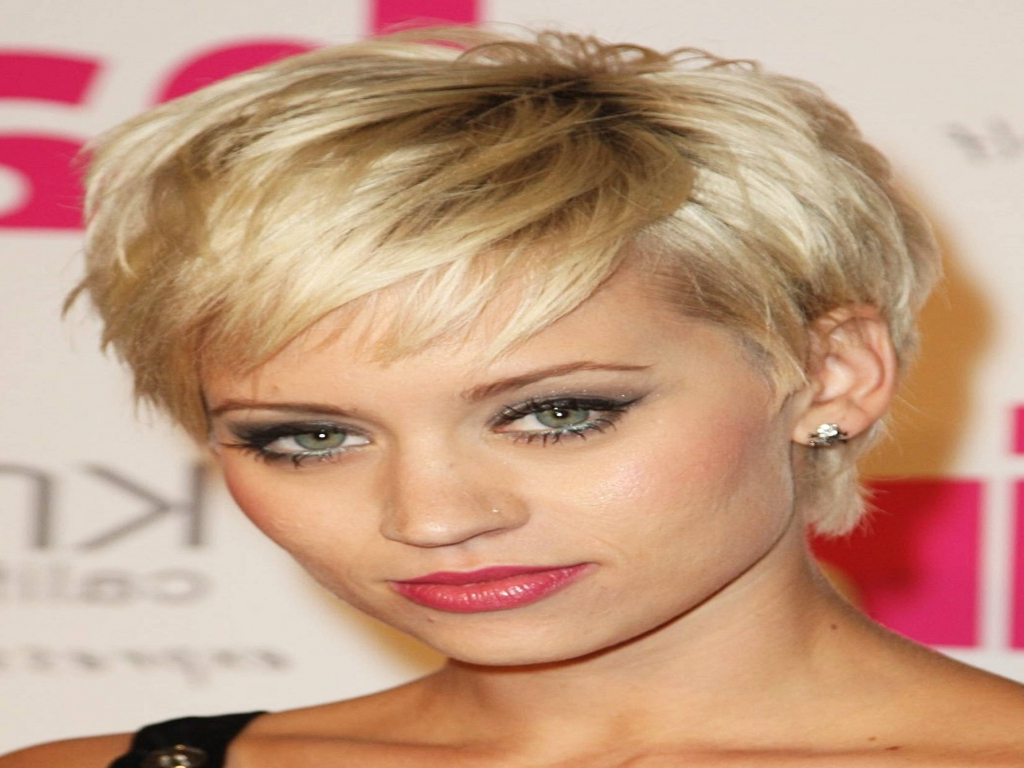 Short Hairstyles For Overweight Round Faces – Best Short Hair Styles Pertaining To Short Haircuts For Round Faces And Thick Hair (View 24 of 25)