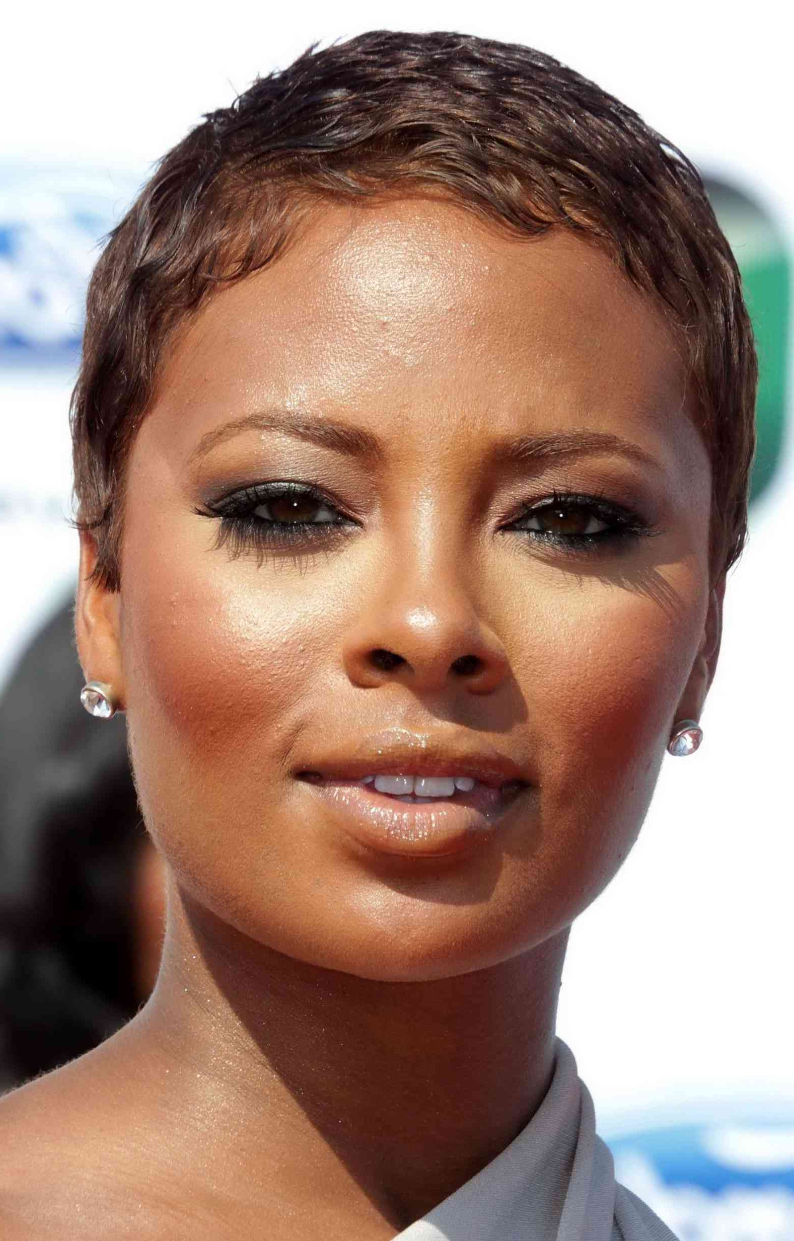 Short Hairstyles For Round Faces Black Ladies Hairstyles And Cuts With Regard To Short Haircuts For Round Faces African American (View 23 of 25)
