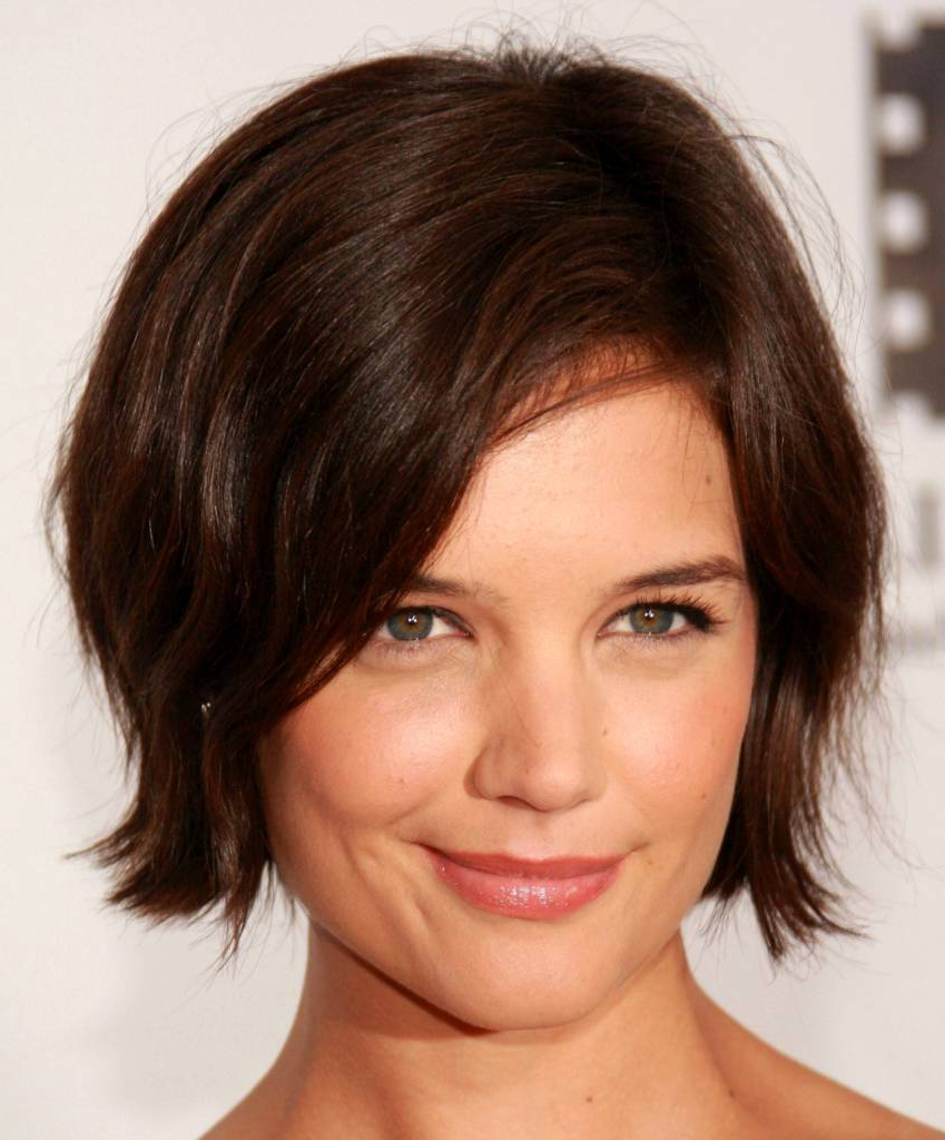 Short Hairstyles For Round Faces Wavy Hair – Amazinghairstyle (View 20 of 25)