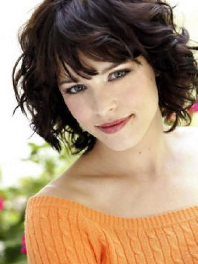 Short Hairstyles For Thick Hair 2013 Throughout Short Haircuts For Wavy Thick Hair (View 16 of 25)