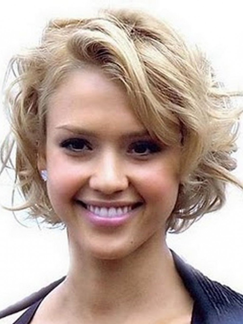 Short Hairstyles For Thick Wavy Hair Round Face Archives . (View 21 of 25)
