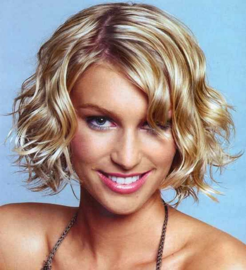 Short Hairstyles For Thick Wavy Hair | Short Curly Bob | Pinterest For Simple Short Hairstyles With Scrunched Curls (View 12 of 25)