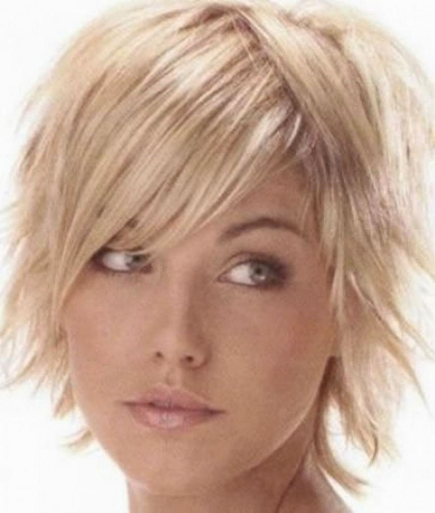 Featured Photo of Short Hairstyles For Thin Fine Hair And Round Face