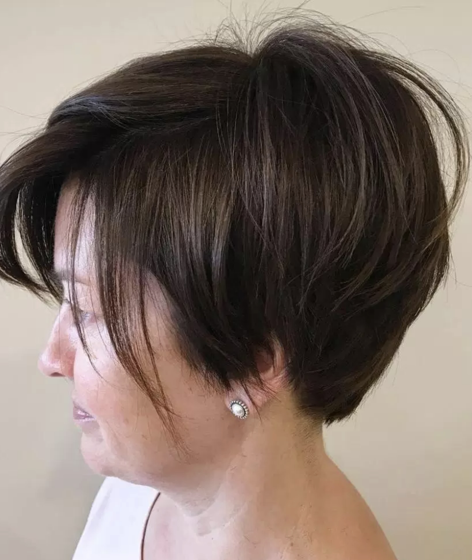 Short Hairstyles For Women Over 40 Many Women In Their 40S Opt For Throughout Short Haircuts For Women In Their 40S (View 23 of 25)