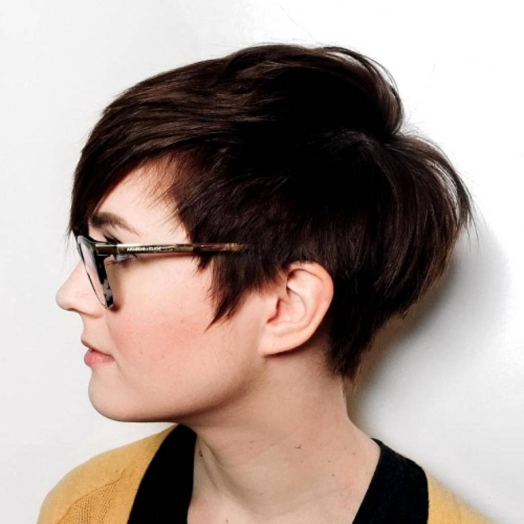 Short Hairstyles For Women With Big Foreheads – Braidhairstyle (View 23 of 25)