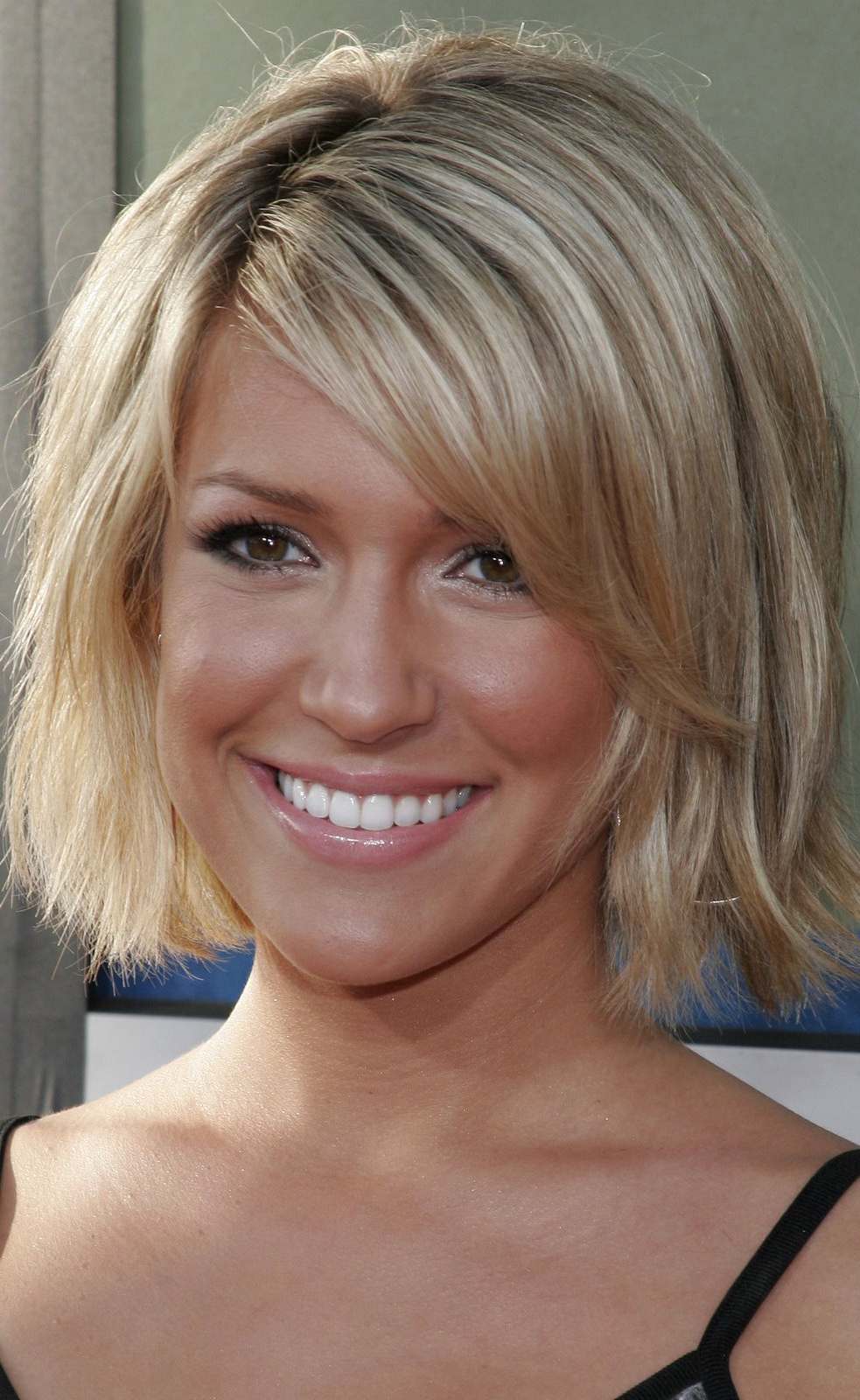 Short Hairstyles Glasses Wearers   Hairtechkearney Throughout Short Haircuts For Glasses Wearer (View 24 of 25)