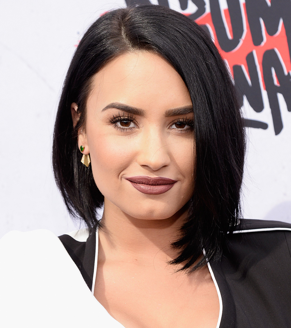Short Hairstyles Inspiredcelebrity 'dos Regarding Demi Lovato Short Haircuts (View 25 of 25)