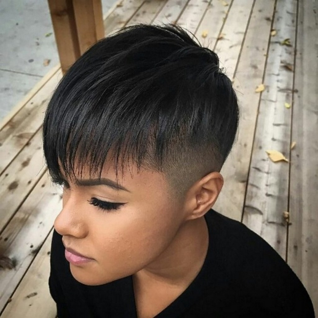 Short Hairstyles Shaved Sides And Back – Frisuren Stil Haar Within Short Hairstyles One Side Shaved (View 21 of 25)