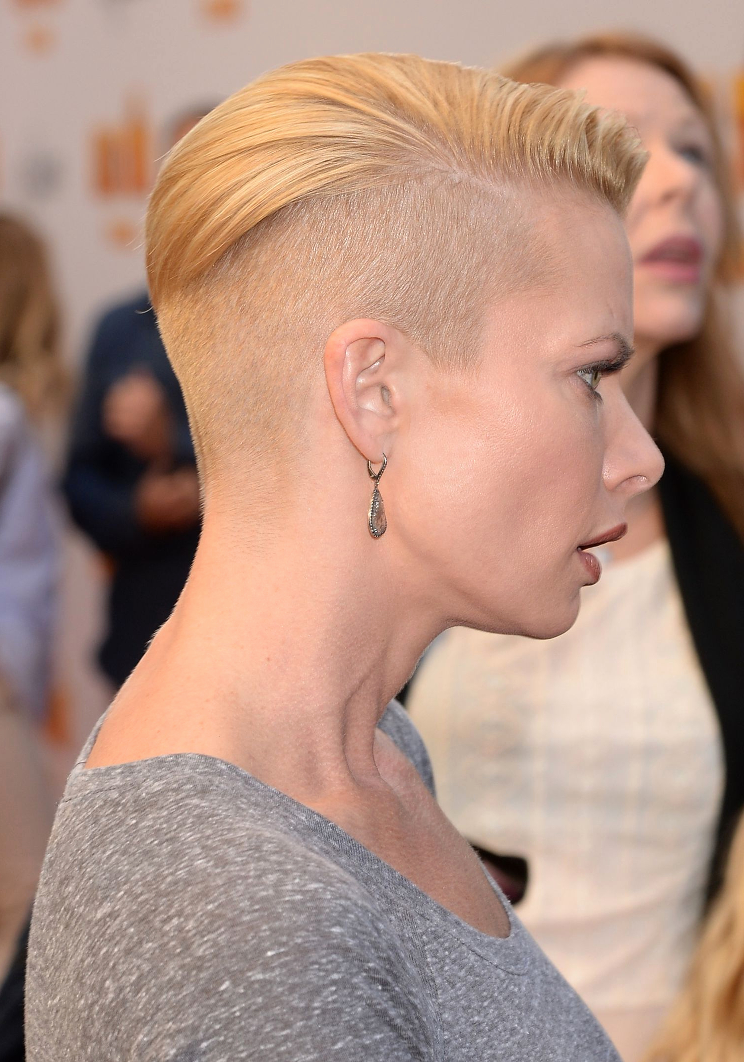 Short Hairstyles With Shaved Sides Short Hair Shaved Sides Hairstyle With Short Haircuts With Shaved Side (View 20 of 25)